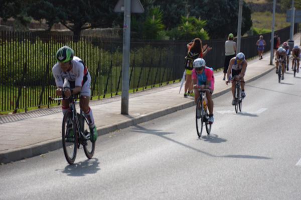 Profi-Triathletin Mirjam Muckenhuber gibt Radfahrtipps für ein erfolgreiches Rad-Training.