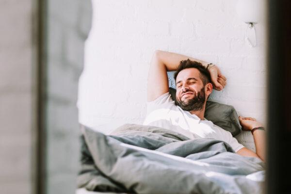 Ein guter Start in den Tag heißt, sich für Selbstfürsorge und die eigenen Morgenrituale genug Zeit zu nehmen.