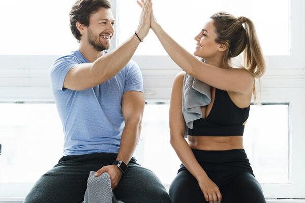Ob Kraft- oder Ausdauersport: Sport treiben ist bei Typ-2-Diabetes besonders gesundheitsfördernd, da Blutzucker-, Blutfett- und Blutdruckwerte sinken.