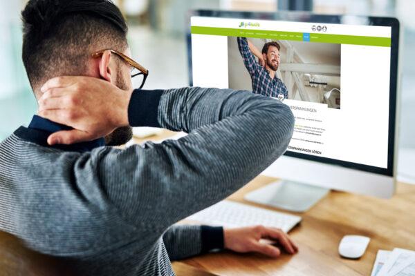 Mit den go4health Übungen kannst du im Büro oder Home-Office Nackenverspannungen lösen.