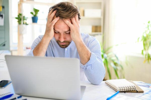 Wird dir alles zu viel? Achte bewusst auf Stresssymptome.