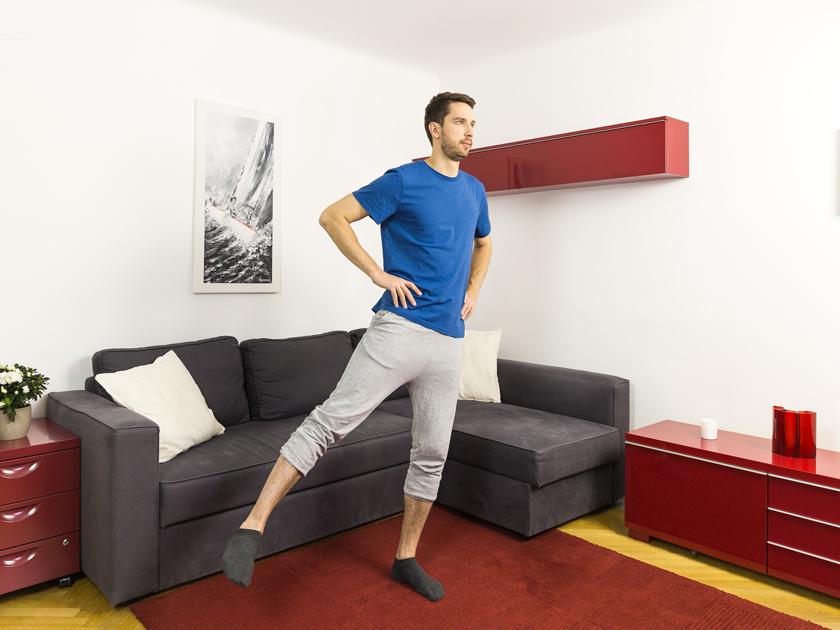 Kniebeugen stärken beim funktionellen Training die Gesäß- und Beinmuskulatur.