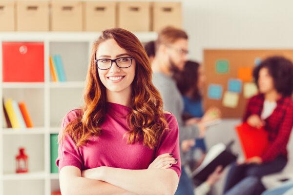 Mit diesen 5 Tipps empfindest du auch in stressreichen Phasen mehr Freude beim Arbeiten.