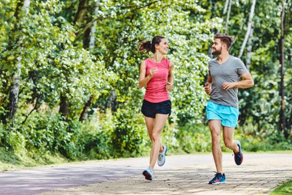 Mit Ausdauersport kann dein Körper gut Stress abbauen.