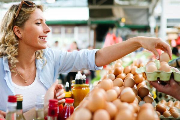 Eier enthalten viele Vitamine und Spurenelemente. Wir haben Rezepte mit Eiern für dich.
