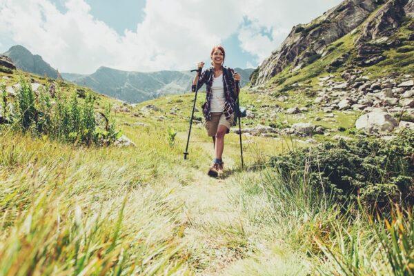 Wandern macht glücklich und hat positive Auswirkungen auf Körper und Geist.