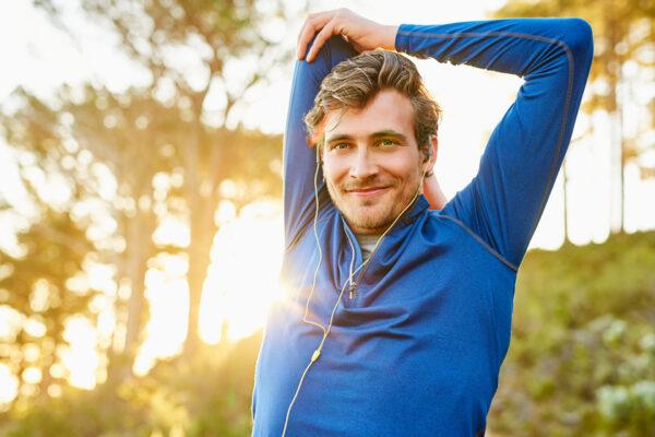 Eine dynamische Morgenroutine stärkt deinen Körper und Geist für den Alltag.