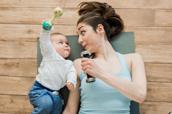 Sport mit Baby oder Kleinkind geht ganz leicht.
