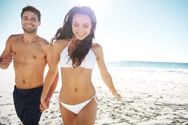 Im Sommer eine gute Figur machen mit den Bauch weg Tipps.