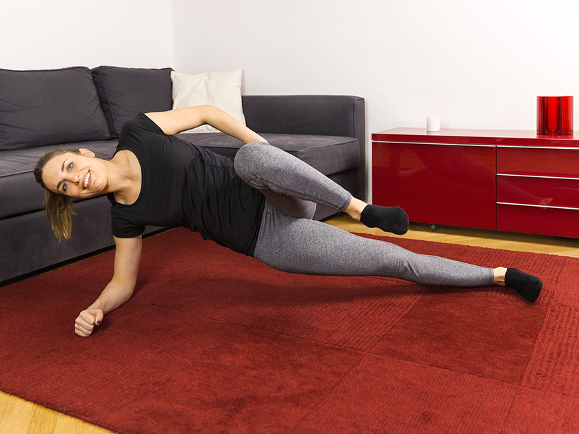 Funktionelles Training: Das angezogene Bein stärkt deinen Hüftbeuger.