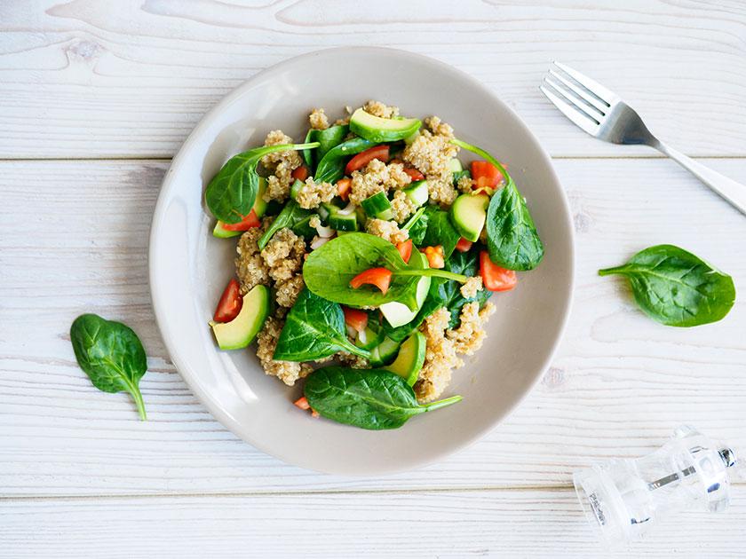 Quinoa eignet sich aufgrund des hohen Eiweißgehaltes sehr gut als Post-Workout-Snack.