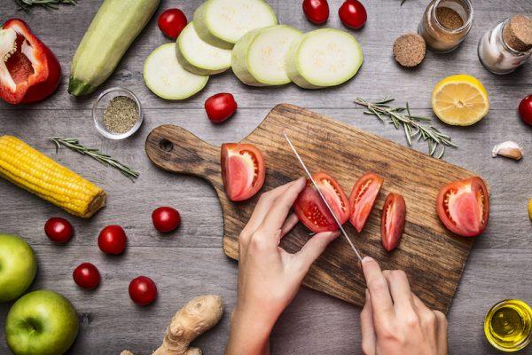 Ein bunter, abwechslungsreicher Salat ist einfach zubereitet.
