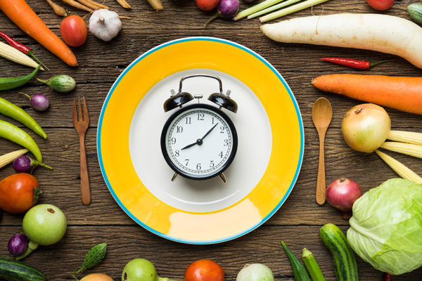 Beim Essen nach der inneren Uhr ist das Frühstück die wichtigste Mahlzeit des Tages.
