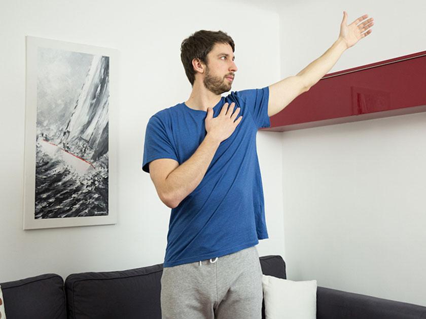 Armkreisen für bewegliche Gelenke in der Schulter.