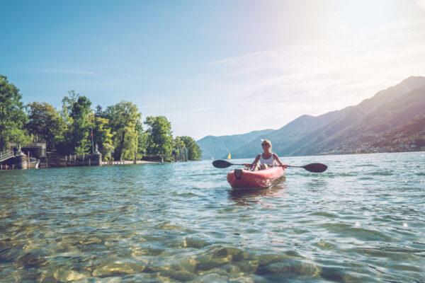 Kanu fahren ist der ideale Sport bei Hitze: Spaß und Bewegung vereint!