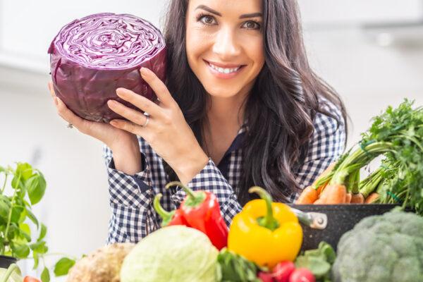 Mit vitaminreichen Lebensmitteln kannst du dein Immunsystem stärken.