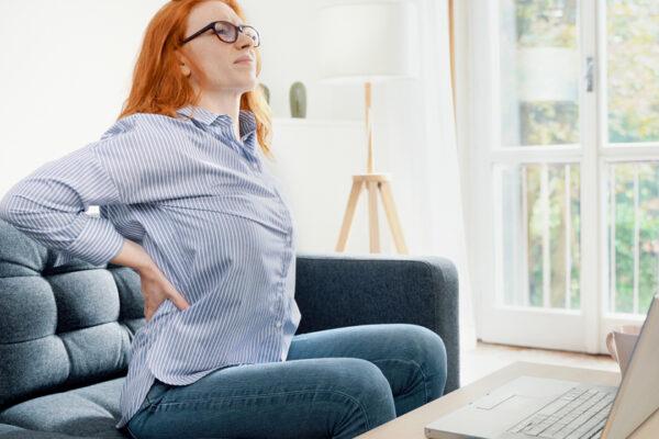 Mehr Bewegung im Home-Office: 5 Bewegungsübungen für deine bewegte Pause.