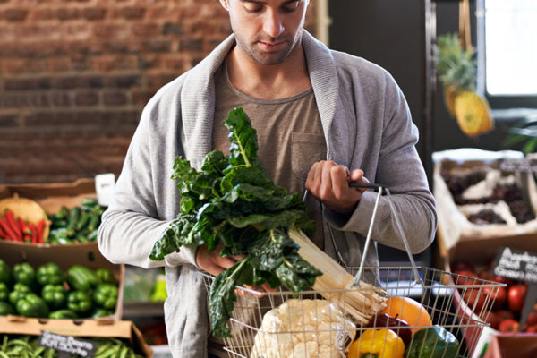Nimm als Sportler täglich Mikronährstoffe durch frische Lebensmittel zu dir.