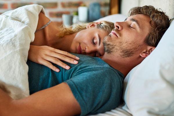 Gesunder Schlaf macht dich nachweislich klug, gesund und schlank.