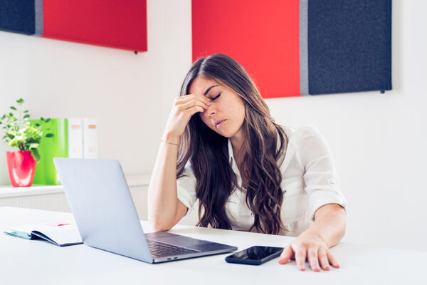 Schlafmangel wirkt sich unter anderem negativ auf die Konzentrationsfähigkeit aus.