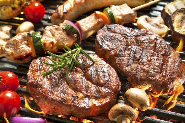 Kulinarische Grilltipps für den Sommer – so wird deine Grillparty zum Erfolg.