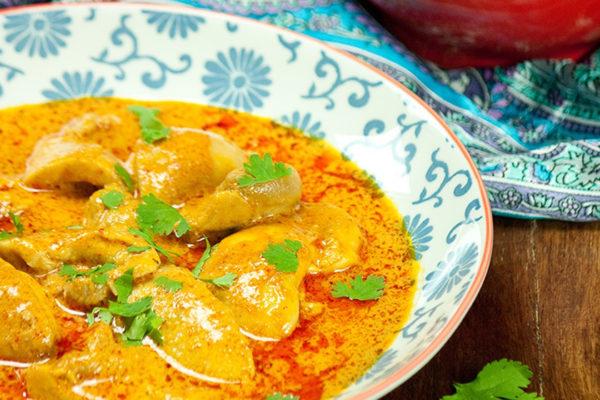Selbstgemachte Currypaste für ein scharfes Curry