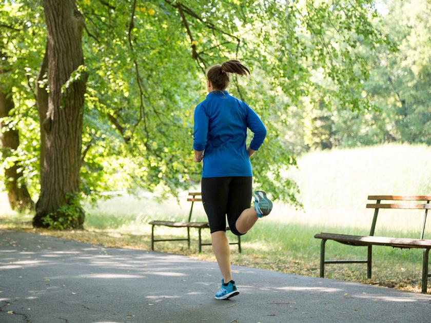 Um das Immunsystem zu stärken, solltest du mindestens zweimal pro Woche ein sanftes Training einlegen.
