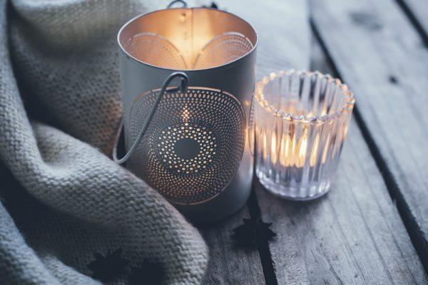 Kerzenschein und andere kleine Tricks schaffen eine Wohlfühlumgebung.