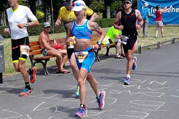 Triathletin Muckenhuber läuft bei den Ironman European Championships in Frankfurt