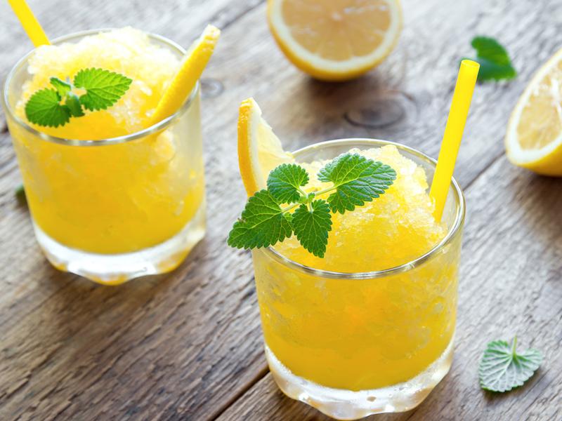 Dein go4health Orangen-Mojito mit Vitamin C ist ein gesunder Snack.