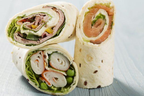 Gesundes Finger Food: Wraps, Häppchen und Eier mit Avocadocreme.