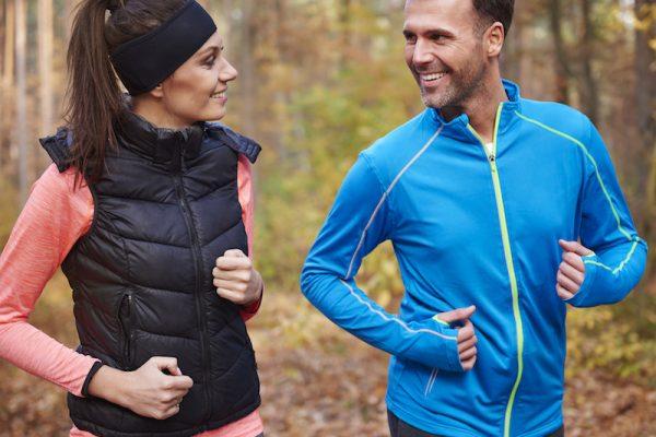 Die richtige Herbstkleidung für Sport im Herbst.