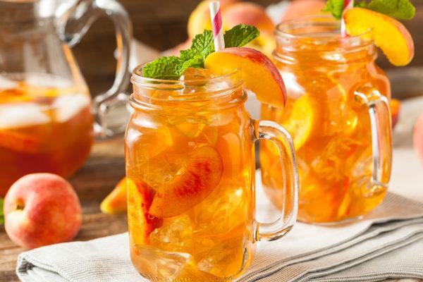 Sommergetränke, wie der kühle go4health Eistee schmecken und erfrischen.