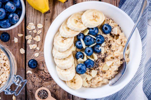 go4health Winter-Porridge mit Zimt und Kardamom.