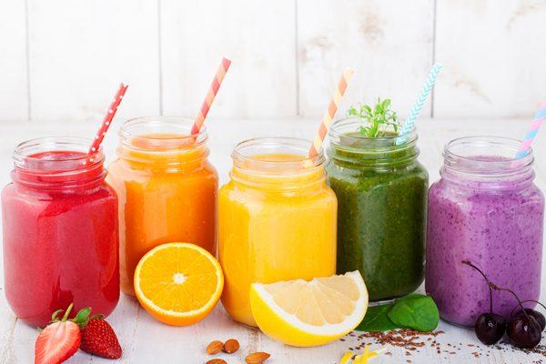 Selbstgemachte Frucht- und Grüne Smoothies - mit den Rezepten von go4health