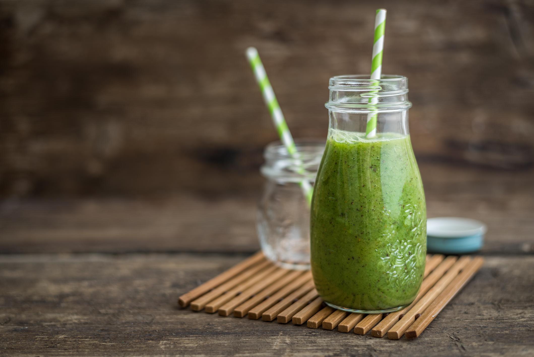 Hanf-Protein stärkt deine Muskeln und ist als Shake ein leckerer Post-Workout Snack.