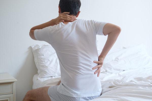 Erholsam schlafen: Bett, Lattenrost und Matratze entscheiden mit!
