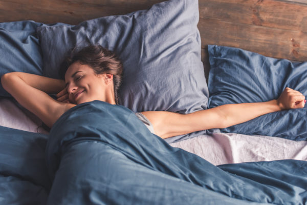 Mentaltraining am Abend hilft dir, um gut schlafen zu können.
