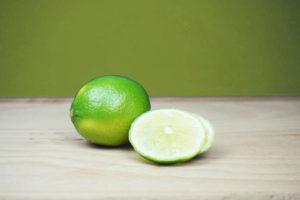 Limette steigert die Konzentration und reduziert Sodbrennen