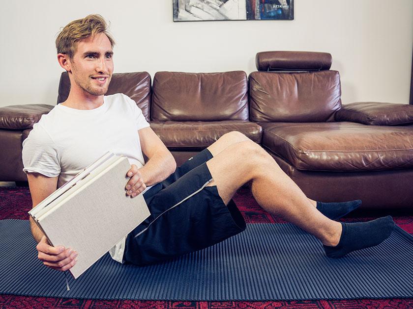 Variiere deine Übungen: So wird dein Home-Workout zum Stimmungsaufheller.