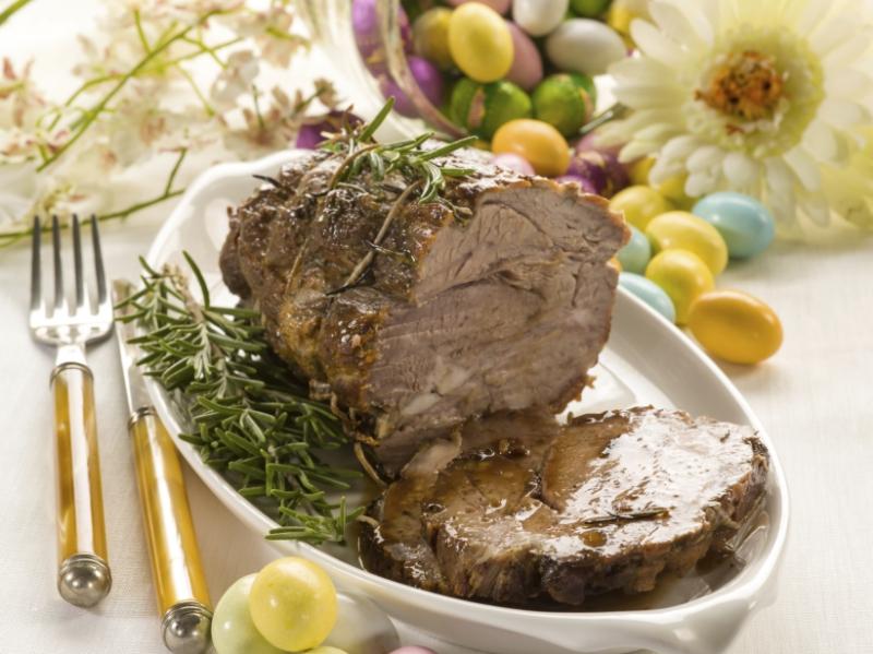Osterrezept: Saftiger Rindsbraten mit Nudeln und Gemüse