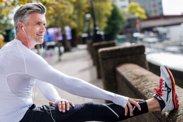 Ausdauersport und Eigengewichtsübungen helfen dem Körper Stress abzubauen.